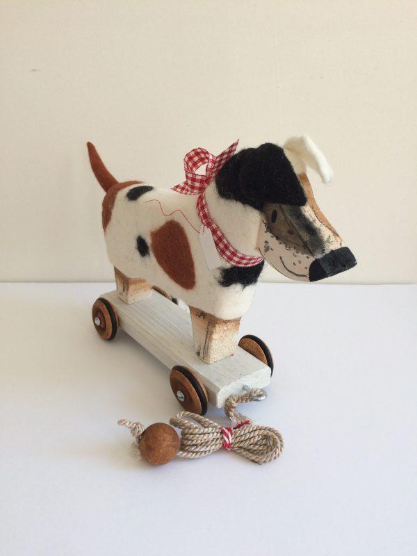 Hund aus Holz+Wolle